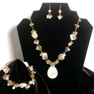 Jewelry - Necklace Bracelet Earring Set Gold Mother of Pearl